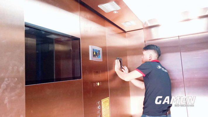 thi công lắp đặt màn hình thang máy tại Hà Nội